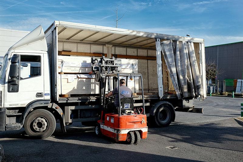 préparation des livraisons des carters de protection JDS