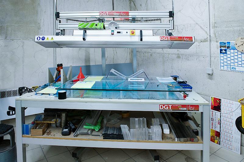 JDS réalise le collage et le pliage de matières plastiques